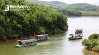 'Hạ Long xứ Nghệ' hút khách những ngày đầu năm