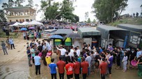 Phóng sinh, thả hơn 10 tấn cá xuống Sông Lam