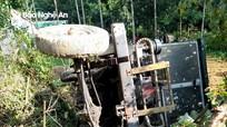 Công nông tuột dốc va máy cày, 2 người dân Thanh Chương thương vong