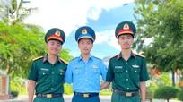 Ba anh em sinh ba tốt nghiệp Trường Sỹ quan Thông tin, 2 người mang quân hàm Trung úy