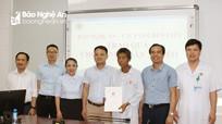 Công ty CP Golden City, Báo Nghệ An trao hỗ trợ bệnh nhân có hoàn cảnh khó khăn