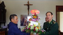 Bộ đội Biên phòng Nghệ An chúc mừng các giáo xứ nhân lễ Noel 2018