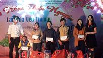 Các địa phương, đơn vị trao quà Tết cho các hộ khó khăn, học sinh nghèo