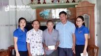 Trao tiền hỗ trợ cho thanh niên bị tai nạn giao thông ở Đô Lương