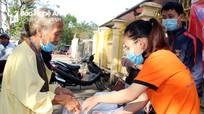 Điện mặt trời Hekinan trao 200 bát cháo từ thiện cho bệnh nhân nghèo