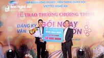 Khách hàng dùng Viettel ở Đô Lương trúng thưởng sổ tiết kiệm 50 triệu đồng