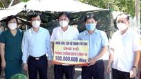 Thăm hỏi, tặng quà lực lượng phòng, chống dịch ở TP Vinh, CDC Nghệ An
