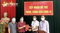 Đảng ủy Khối Doanh nghiệp tặng quà người dân trong khu phong tỏa, cách ly phòng, chống dịch Covid-19