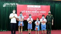 Viettel Nghệ An trao hơn 2,6 tỷ đồng cho Quỹ học bổng 'Vì em hiếu học năm học' 2021 - 2022