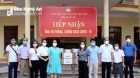 Công ty CP Tập đoàn Thiên Minh Đức trao tặng nước khử khuẩn phòng dịch cho Thị xã Cửa Lò
