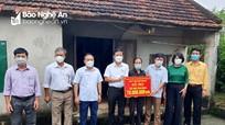 Đảng ủy Khối Doanh nghiệp hỗ trợ xây dựng nhà tình nghĩa cho hai gia đình khó khăn