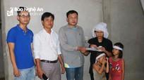 Bạn đọc Báo Nghệ An hỗ trợ gia đình nạn nhân vụ sập giếng ở Thanh Chương