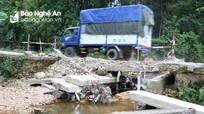 Nghệ An: Tràn liên hợp sạt lở nặng, xe trọng tải lớn bất chấp lưu thông