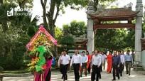 Ủy ban Kiểm tra Tỉnh ủy dâng hoa tại Khu Di tích Kim Liên nhân ngày truyền thống