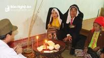 Lễ làm vía cho cô dâu mới của cộng đồng người Thái Nghệ An