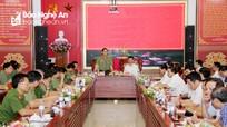 Chủ tịch UBND tỉnh Nguyễn Đức Trung làm việc với Công an tỉnh