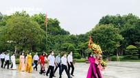 Ban Dân vận Tỉnh ủy dâng hương, dâng hoa tại Khu Di tích Kim Liên và Truông Bồn