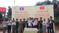 Cặp bản thứ 19 ở biên giới Việt Nam - Lào tổ chức ký kết nghĩa