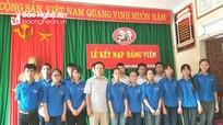 Trường THPT Thanh Chương 3 kết nạp 30 đảng viên mới