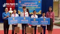 25 học sinh được nhận học bổng đầu năm học