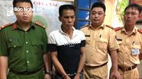 Khống chế bắt nóng thanh niên xách heroin nhảy xe khách từ Nghệ An ra Bắc tiêu thụ