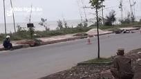 Phát hiện thi thể nam thanh niên bên đường ven biển ở Nghệ An