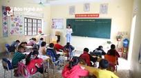 """Cô giáo trẻ xứ Nghệ được cư dân mạng bình chọn là """"cây kéo vàng"""""""