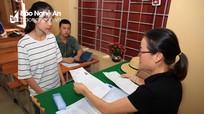 Thí sinh Nghệ An làm thủ tục thi THPT Quốc gia 2019 ở 61 điểm thi trong thời tiết 'hạ nhiệt'