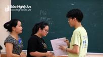 Hơn 23.000 thí sinh Nghệ An bước vào môn thi cuối cùng trong thời tiết nắng nóng