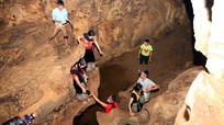 Khám phá hang động dài hàng cây số ở miền Tây xứ Nghệ