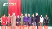Trao quà Tết cho người nghèo ở Quế Phong, Yên Thành và TP Vinh