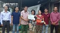 Trao 25 triệu đồng cho gia đình khó khăn ở Nam Đàn  