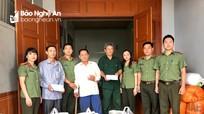 Khám, cấp thuốc miễn phí và trao quà cho người dân Tương Dương, Anh Sơn