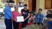 Trao tiền ủng hộ 3 gia đình bị tai nạn đường sắt ở Hưng Nguyên