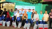 Trao quà và bàn giao nhà tình nghĩa cho hộ nghèo ở Kỳ Sơn, Tương Dương