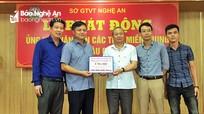 Chi nhánh Tổng Công ty TM và XD Đông Bắc, Công ty TNHH tại Nghệ An ủng hộ 100 triệu đồng người dân bị lũ lụt
