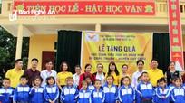 Bưu điện Nghệ An trao 494 suất quà cho học sinh Quỳ Châu
