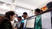 Nghệ An: Đầu năm, hàng ngàn người xếp hàng làm thủ tục xuất nhập cảnh