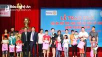 Trao tặng hơn 43.000 USD hỗ trợ dự án mổ tim cho trẻ em nghèo