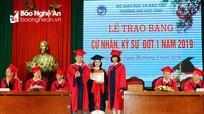 Hơn 100 sinh viên Đại học Vinh được tốt nghiệp sớm