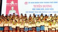 Thành phố Vinh tuyên dương hơn 300 học sinh và giáo viên tiêu biểu