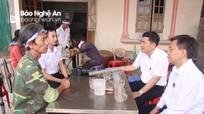 Giám đốc Sở GD&ĐT Nghệ An thăm hỏi gia đình học sinh bị đuối nước ở Thanh Chương