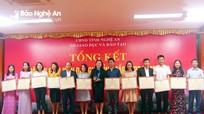 Khen thưởng 42 giáo viên xuất sắc đạt điểm cao tại Hội thi giáo viên dạy giỏi tỉnh