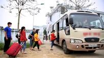 Nghỉ học phòng dịch Covid-19, học sinh vùng cao Nghệ An được trường thuê xe chở về nhà