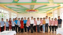 Ngành Giáo dục Nghệ An trao hơn 200 suất quà hỗ trợ cho giáo viên mầm non ngoài công lập
