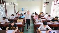 Thí sinh Nghệ An bước vào ngày thi đầu tiên trong thời tiết nắng nóng