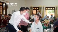 Phó Chủ tịch UBND tỉnh Lê Hồng Vinh thăm các trung tâm thương bệnh binh nặng và gia đình chính sách