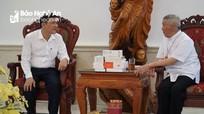Sở GD&ĐT Nghệ An gặp gỡ Tòa Giám mục Giáo phận Vinh, tặng quà học sinh khó khăn