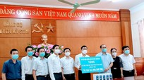 Nghệ An: Chương trình 'Sóng và máy tính cho em' nhận được 2500 máy điện thoại