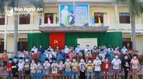 Sở Giáo dục và Đào tạo tặng xe đạp, điện thoại cho học sinh khó khăn huyện Anh Sơn